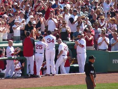 Kevin Youkilis leaves the game