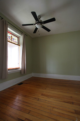Large 1st floor Room