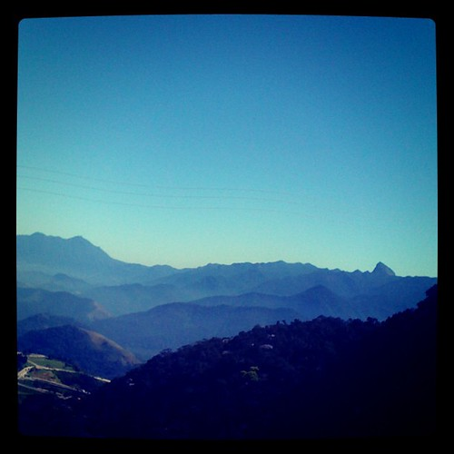 A #serra de #petropolis é #azul! #rj