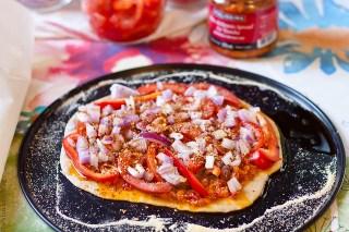 Tomato, Pepper and Onion Flatbread