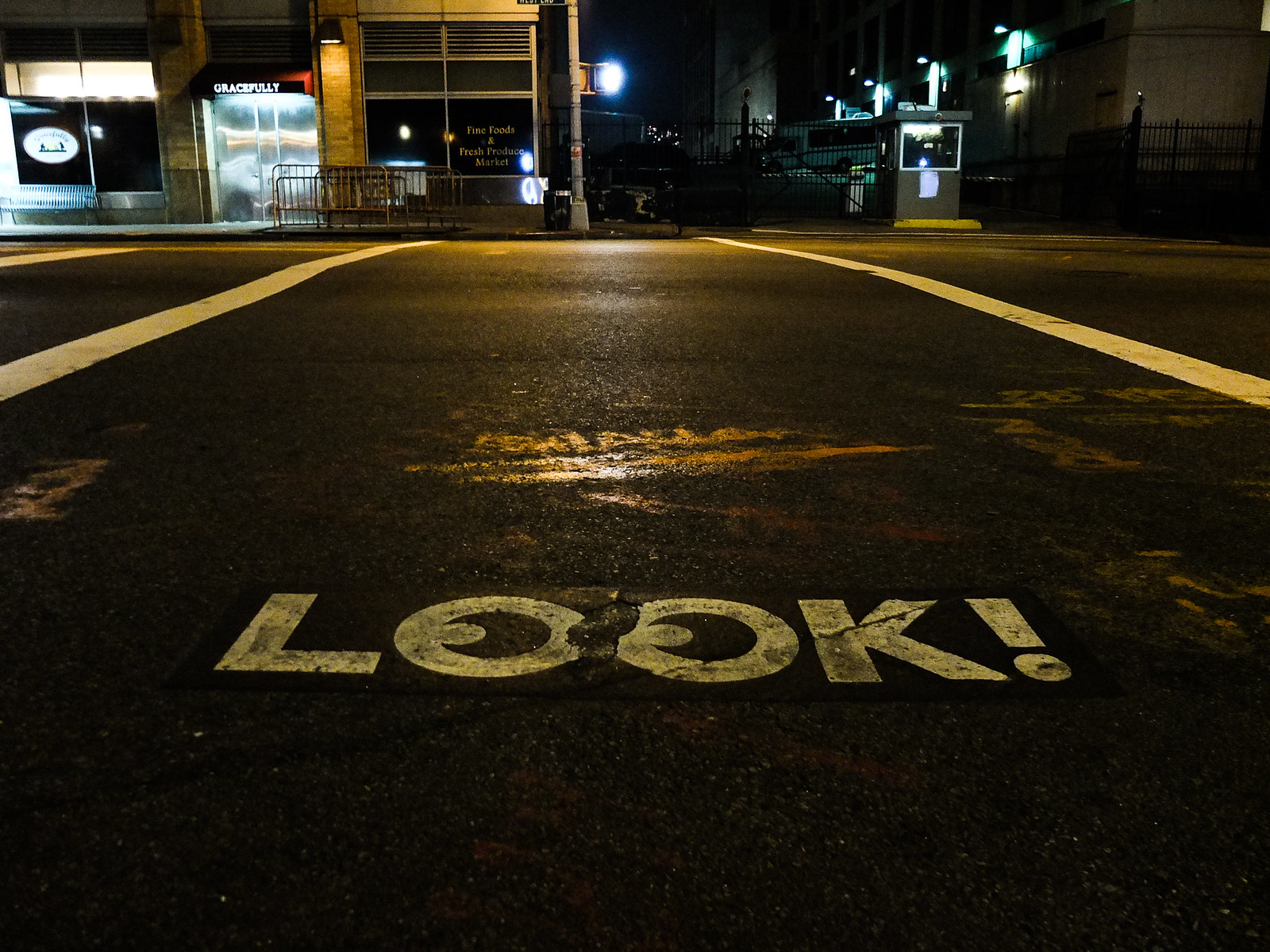 LOOK by wwward0