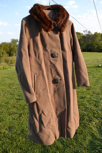 vintage-brown-coat-with-mink-collar