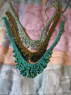 Scallop-edge beaded necklaces