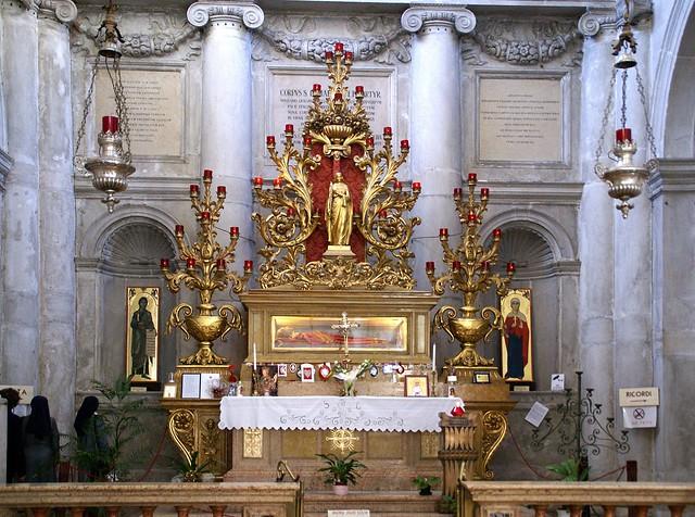 Schrein der Heiligen Lucia in der venezianischen Kirche Chiesa di SS Geremia e Lucia