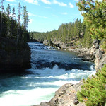 Yellowstone River flowing through Grand Canyon of Yellowstone