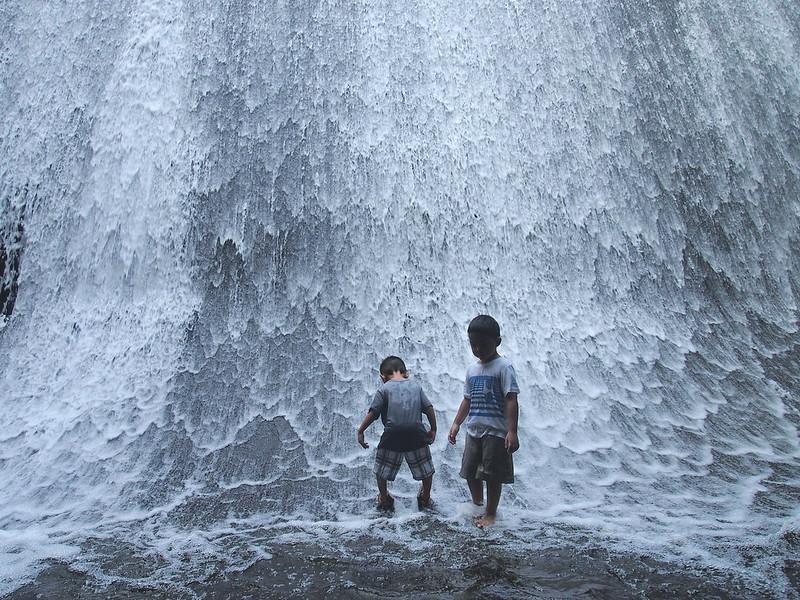 Kids & the waterfalls