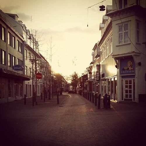 Mornin! #reykjavik #iceland #morning #sun #laugavegur