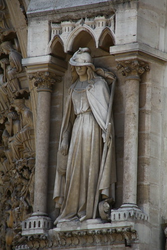 Notre Dame statuary