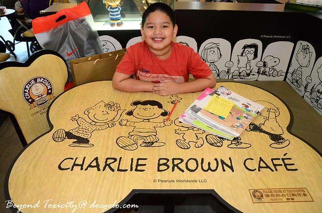 charlie brown cafe 2