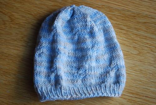 Little cables hat