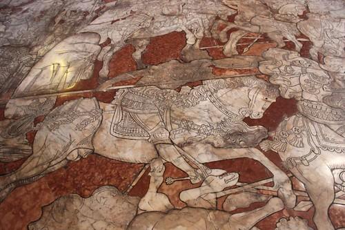 20120808_5003_Siena-duomo-stone-floor