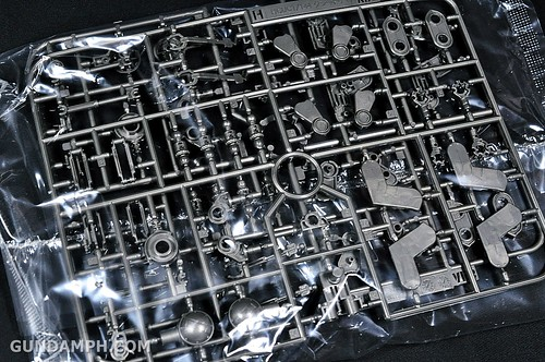 HGUC Kshatriya Pearl Clear (green) Binder Ver. Unboxing Pictures (21)