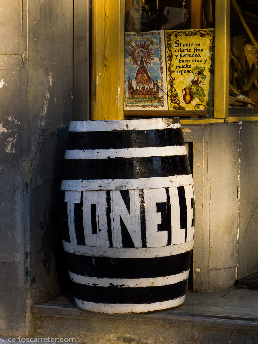 Toneles