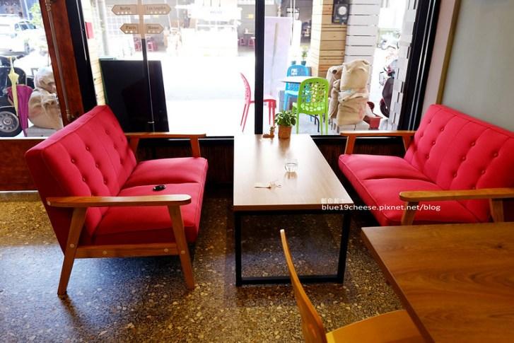 28497751861 de4e0c12f8 c - 旅圖好咖You Tu Cafe-盤餐巧巴達午時特餐沙拉點心.還有漂亮的微舒打系列飲品.世紀小吃對面