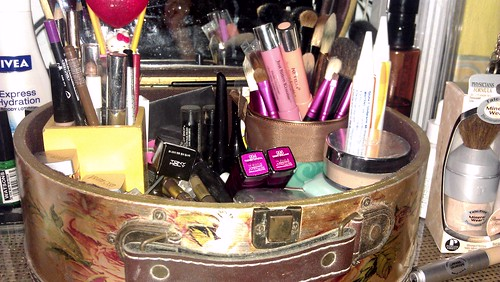 my everyday makeup mirror box