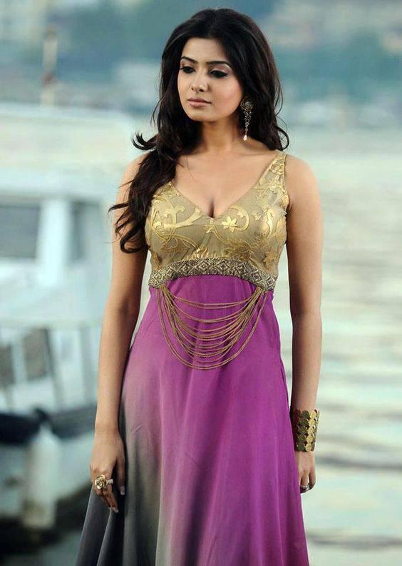 Samantha Ruth Prabhu Showing Cleavage