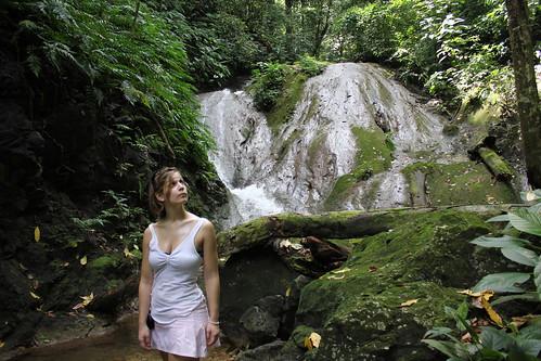Una de las cascadas que casi no encontramos