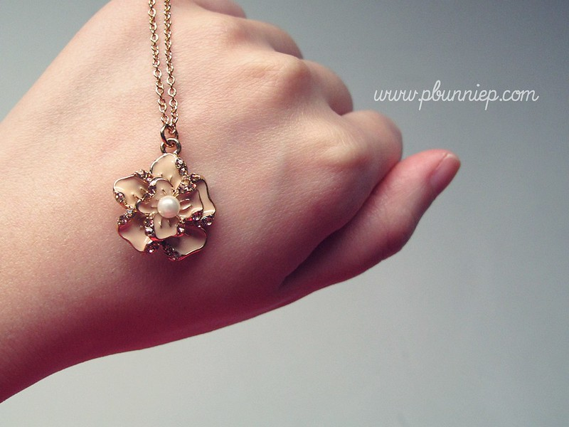 Forever21 Camellia necklace