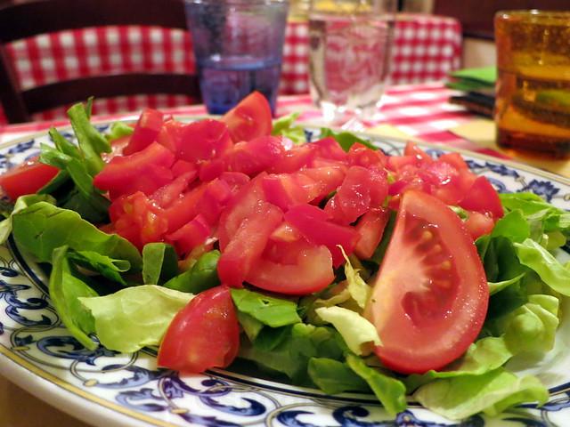 tomato salad €8