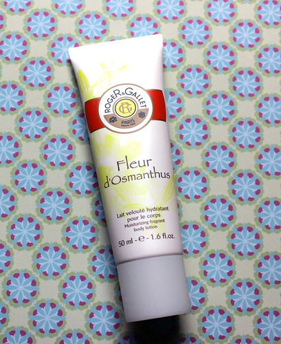 Roger and Gallet flash box body lotion