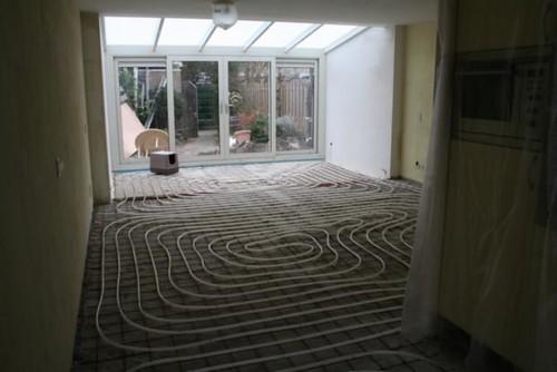 aanbouw met vloerverwarming by Fred Tokkie