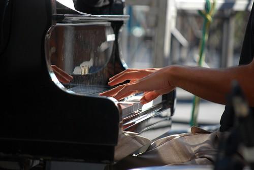 Musicante pianoforte by brunifia
