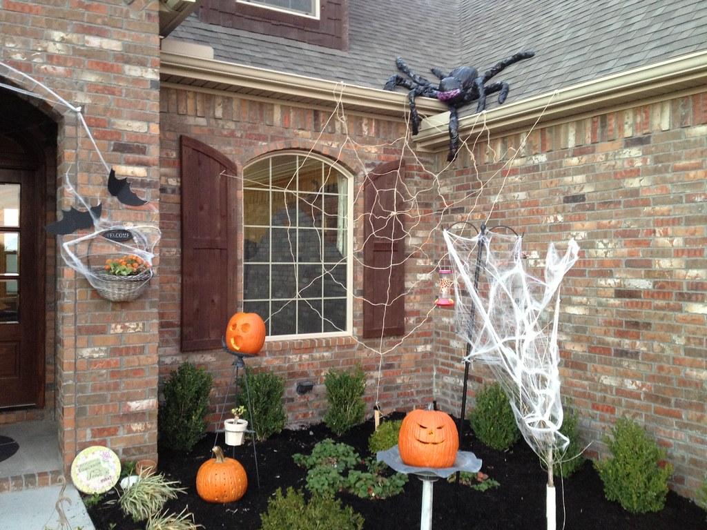 Quick Easy Outdoor Halloween Decorations
