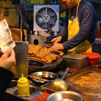 Deep-fried pork intestines, Hong Kong - 炸大腸, 香港