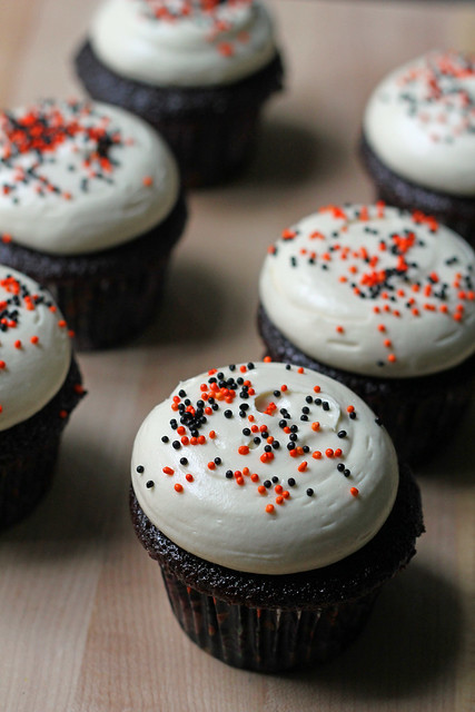 devil's food cupcakes with cream cheese frosting