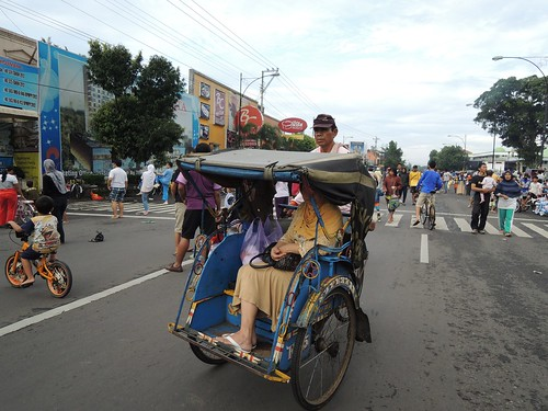 Becak on Car Free Day by adi pratama 001