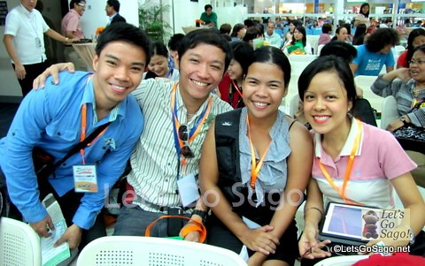 4 of the 10 Travel Bloggers en route to Malaysia