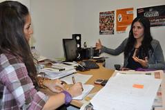 De derecha a izquierda, Antonia Nogales y María Vélez, durante la entrevista