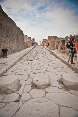PompeiiWalksOfItaly-7