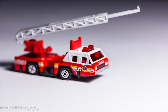 2012_Nov_26_Toy Ladder Truck_010