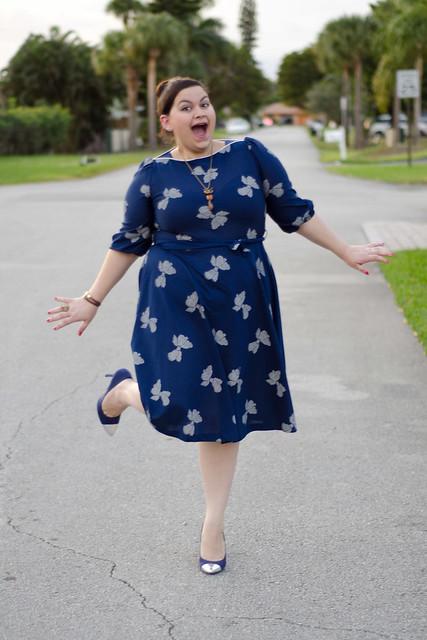 Cap toe pumps, vintage dress, foxy neckalce