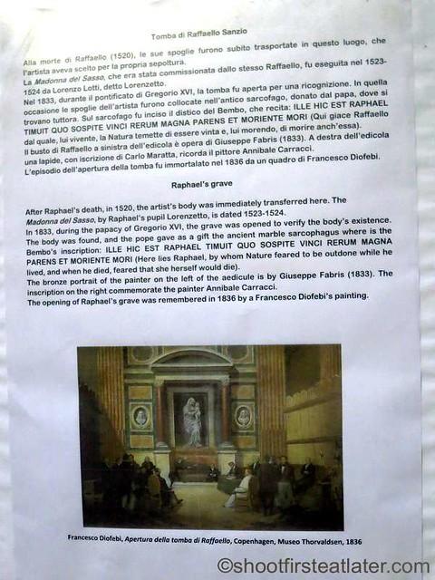 Pantheon - tomb of Raphael-003