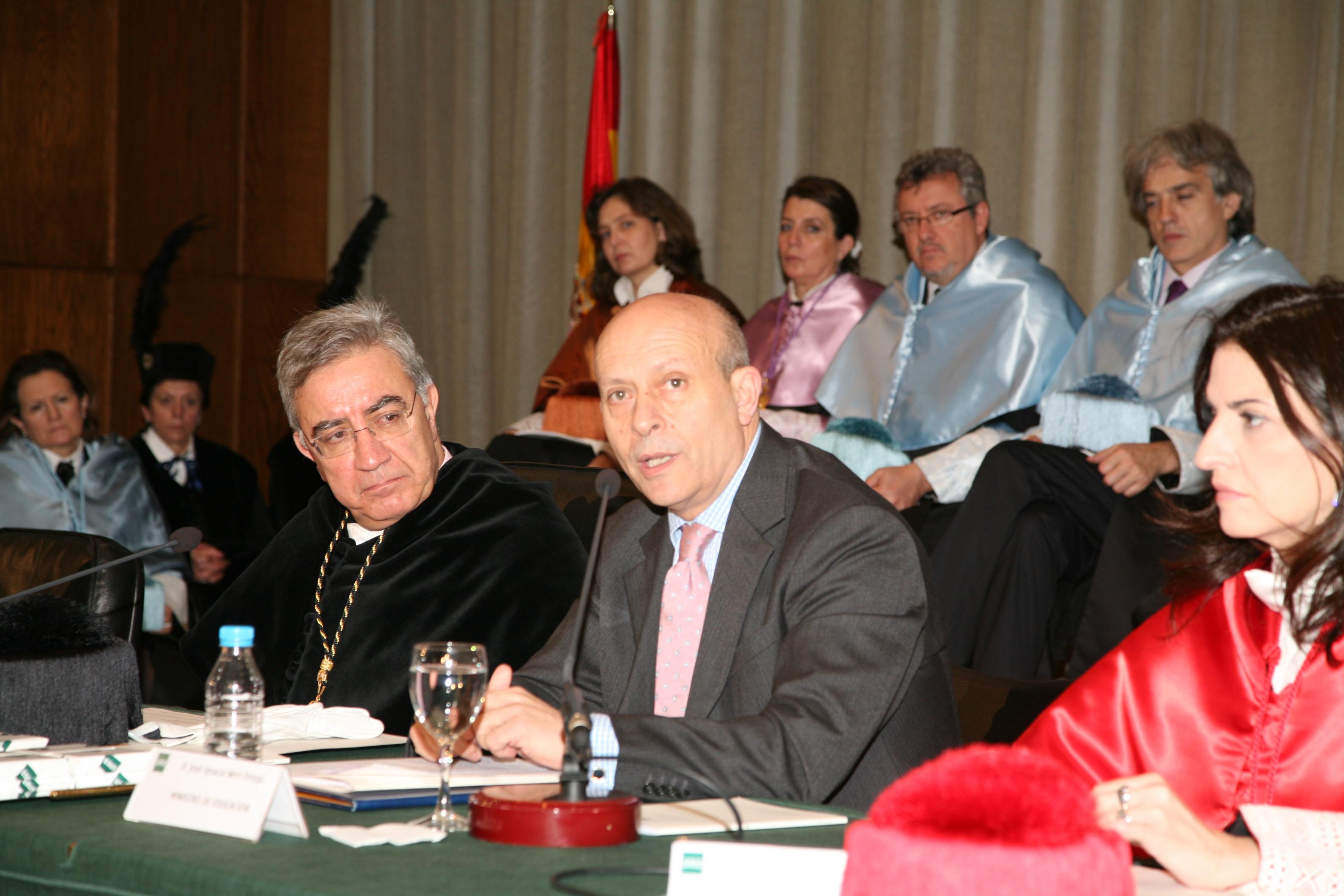 Wert, ministro, Educación, vergüenza, declaraciones, Motel Bates, Albacete