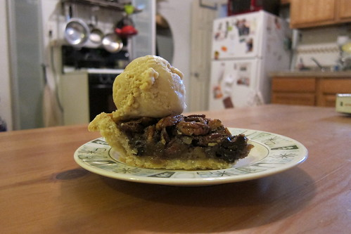 Maple Ice Cream + Pecan pie