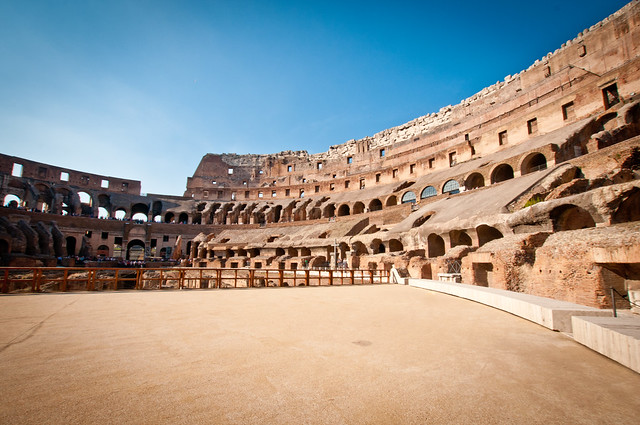 ColosseumWalksOfItaly-10