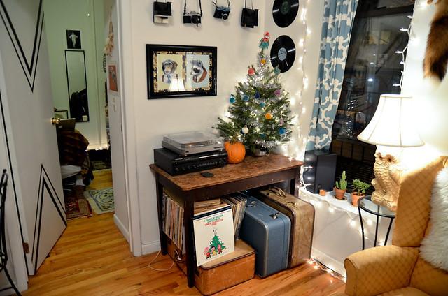 NYC Apartment Christmastime Stars for Streetlights