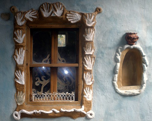 Hand window with detail by dibach