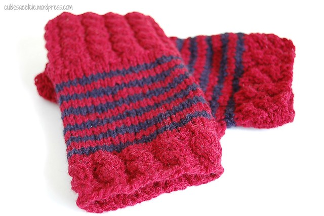 fingerless mitts from reclaimed yarn