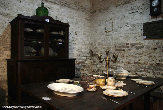 Antique wares and furniture exhibited in Museo de Bacarra museum ilocos norte