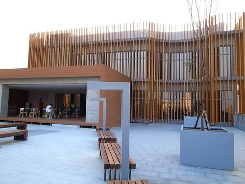 臺南裕文圖書館:半戶外的閱讀空間 - 一開始就不孤單 - 信誼親子玩家