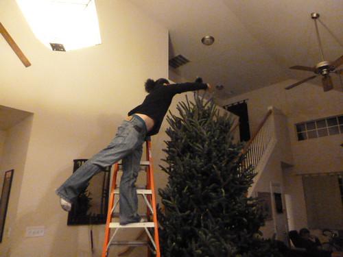 12-10-12 TX - Austin, Decorating the Tree 2