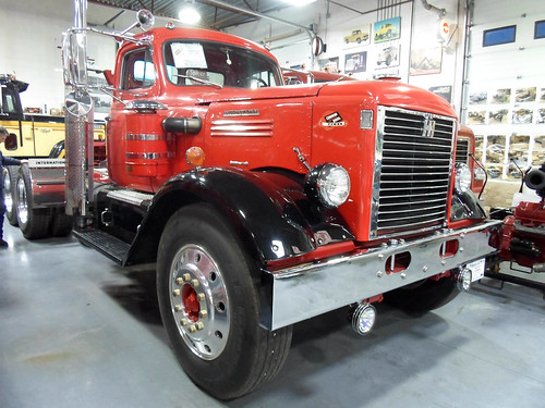 1951 International LFD 405