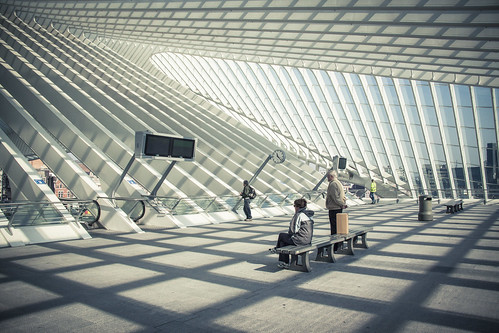 Waiting for the future (Gare de Liège-Guillemins, Belgium) - Photo : Gilderic