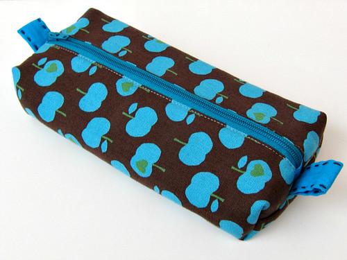 Retro apple pouch