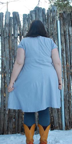 gray pattern tiramisu back