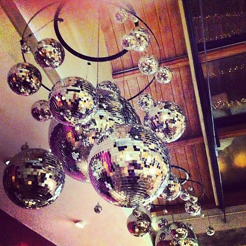 I need these chandeliers in my house!!